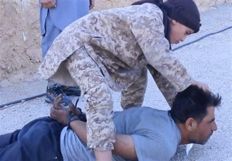نتیجه تصویری برای داعش از یک کودک 3 ساله برای اعدام قربانیان استفاده کرد
