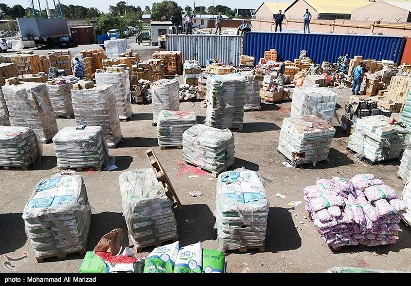 450 میلیون ریال سویا و البسه قاچاق در کنگاور کشف شد
