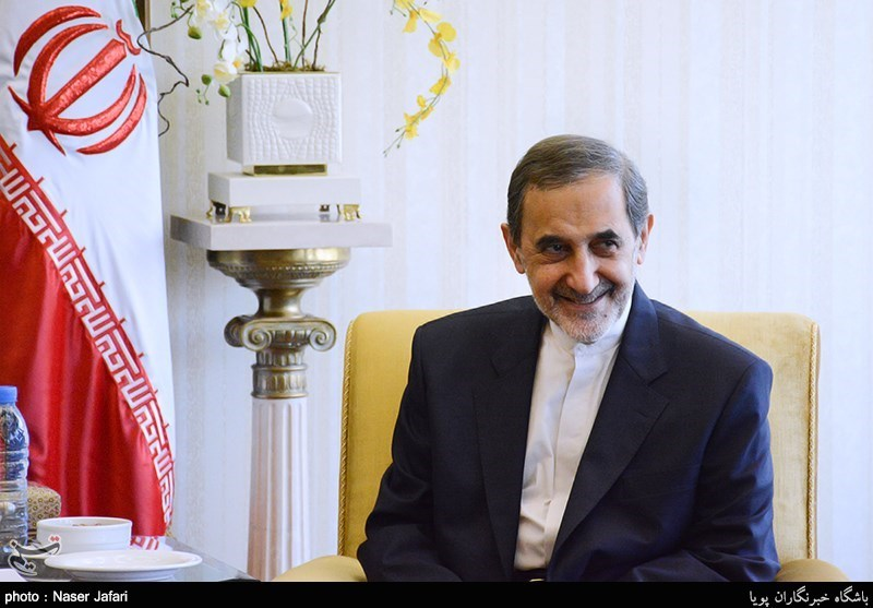 ولایتی : ایران والهند تلعبان دورا محوریا فی استقرار وأمن المنطقة