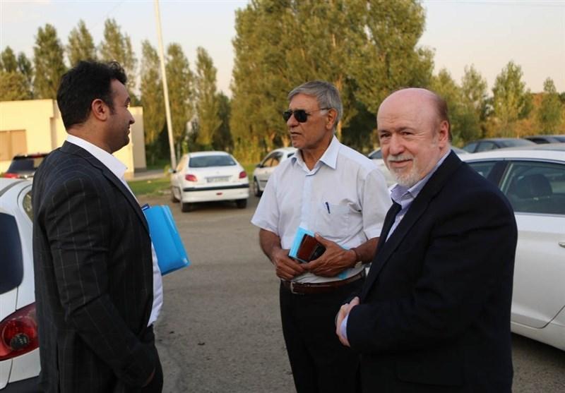جهانیان: از معاون وزیر امور خارجه برای حل مشکل استقلال کمک میگیریم