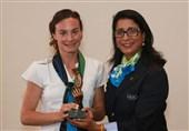 اهدای جوایز بازی جوانمردانه المپیک به دو دونده آمریکایی و نیوزیلندی و تیم هندبال نروژ