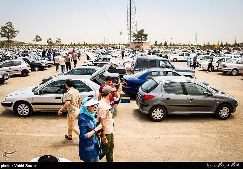 رئیس اتحادیه نمایشگاهداران خودرو : خودرو در بازار ۳۰۰ تا ۶۰۰ هزار تومان گران شد-مراوده