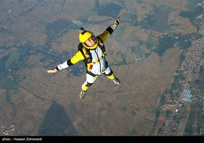 سقوط آزاد از ارتفاع 13 هزار پایی