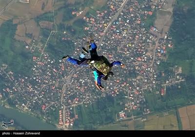 پرش تندم ( دونفره)سقوط آزاد از ارتفاع 13 هزار پایی