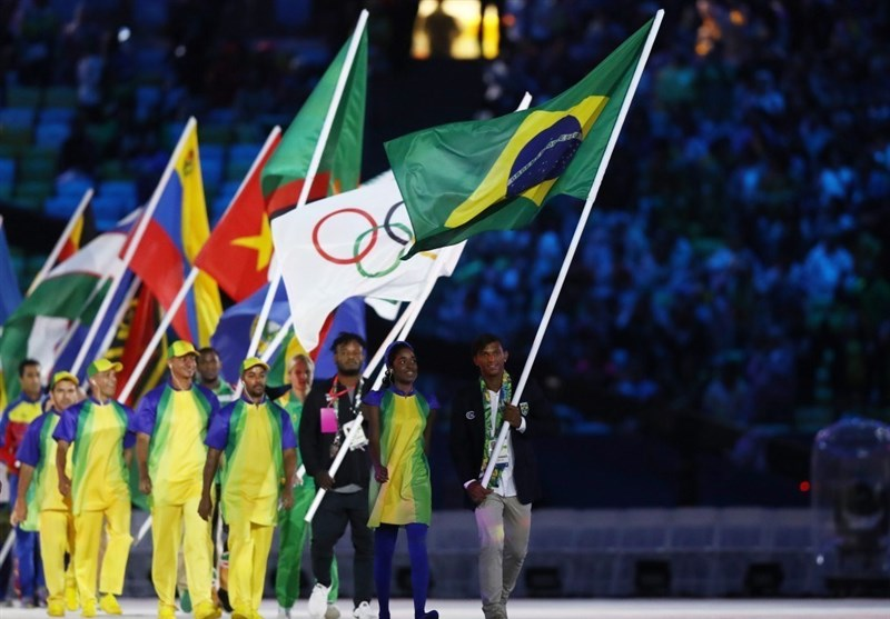 برگزاری مراسم اختتامیه المپیک 2016/ پخش تصویر کیمیای ایران/ پرچم المپیک تحویل ژاپنیها و مشعل خاموش شد