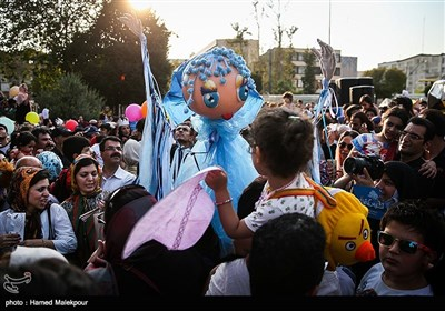 Tahran'da Kuklalar Festivali