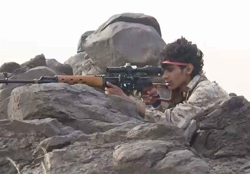 ادامه پیشروی ارتش یمن در جنوب عربستان/ کنترل 2 منطقه نظامی +فیلم و عکس