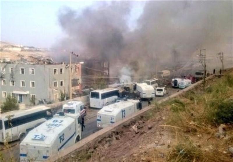 46 جریحا بانفجار یستهدف مقرا لحزب العدالة والتنمیة شرقی ترکیا
