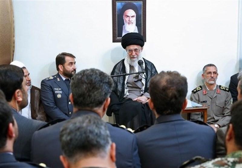 خاتم الانبیاء ایئر ڈیفنس بیس کے کمانڈروں کی رہبر معظم انقلاب اسلامی سے ملاقات