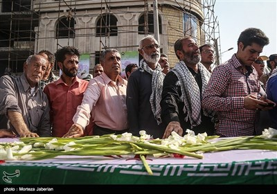 Remains of 66 Martyrs Killed in Iraqi Imposed War on Iran Repatriated