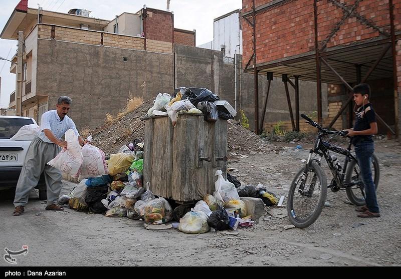 عدم جمع آوری زباله های شهر مریوان