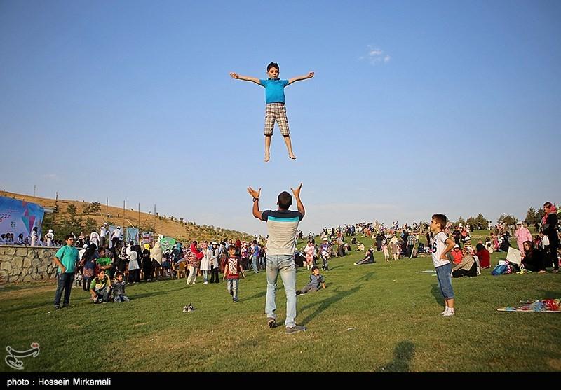 جشنواره بادبادک ها به مناسبت روز قزوین