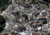 خشم ایتالیاییها از اقدام موهن نشریه «شارلی ابدو» درباره قربانیان زلزله+کاریکاتور
