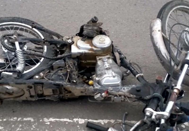 فیلم/مرگ دردناک موتورسوار به خاطر خلاف رفتن کامیون