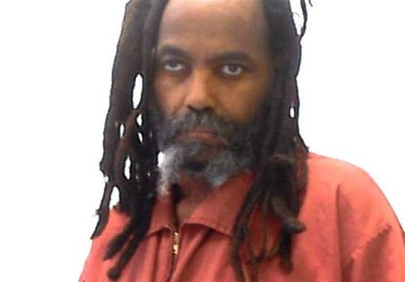 mumia abu jamal essay Mumia abu jamal essayswesley cook was born in 1954 while he was protesting at a george wallace for president rally in 1968, several white men attacked him he claims that two men grabbed him.