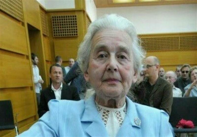 Almanya'da 87 Yaşındaki Bir Kadın Holokost'u İnkâr Ettiği Gerekçesiyle Bir Kez Daha Hapis Cezasına Çarptırıldı