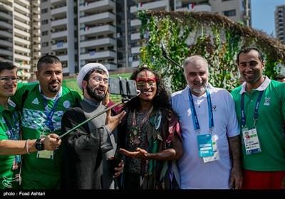 بر افراشته شدن پرچم ایران در دهکده بازی های پارالمپیک 2016
