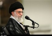 Leader Urges Iranian Political Figures to Avert Polarity in Society
