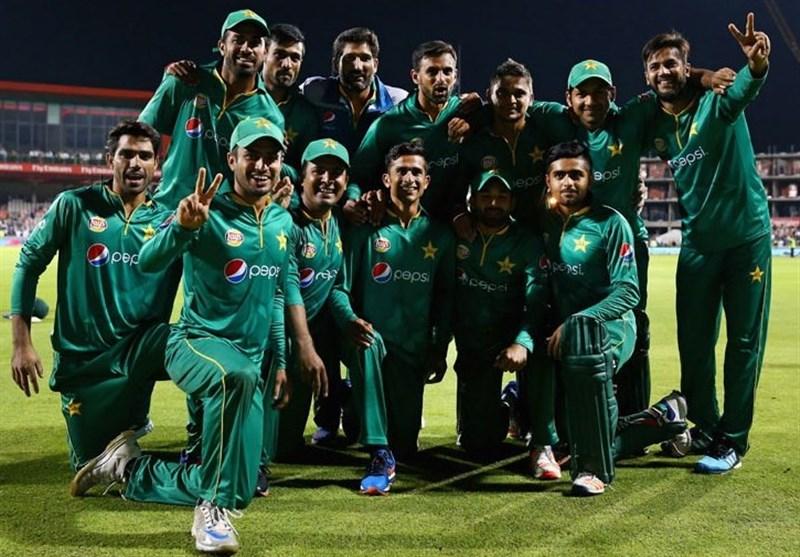 پاکستان کی قومی کرکٹ ٹیم دورہ نیوزی لینڈ کے لیے روانہ