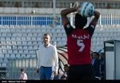 دیدار تیم های فوتبال گسترش فولاد و سیاه جامگان
