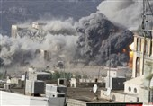 یک شهید و 12 زخمی در حمله جنگندههای سعودی به خودروی آوارگان یمنی