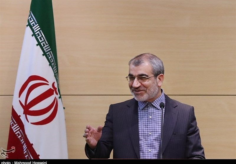 بازدید سخنگوی شورای نگهبان از غرفه خبرگزاری تسنیم