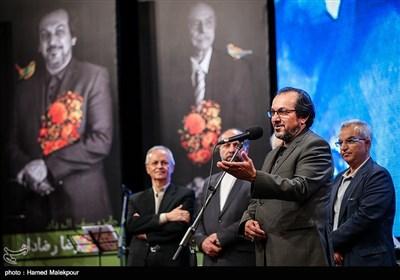 تجلیل از علیرضا رضاداد دبیر دورههای مختلف جشنواره فیلم فجر