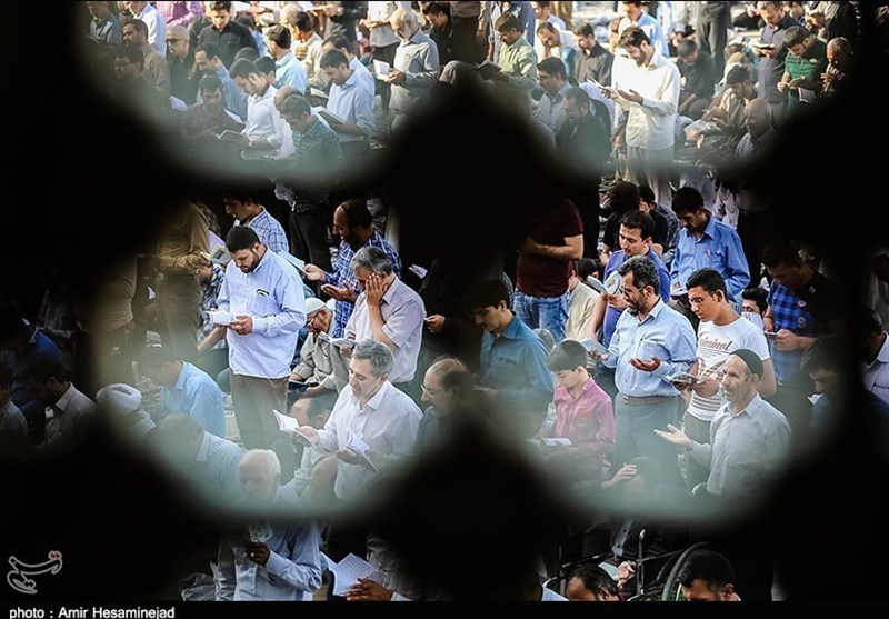 بالصور... مراسم دعاء عرفة فی شتى انحاء ایران