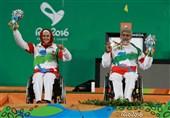 تجلیل خانوادههای مدافع حرم از مدالآور پارالمپیک + عکس
