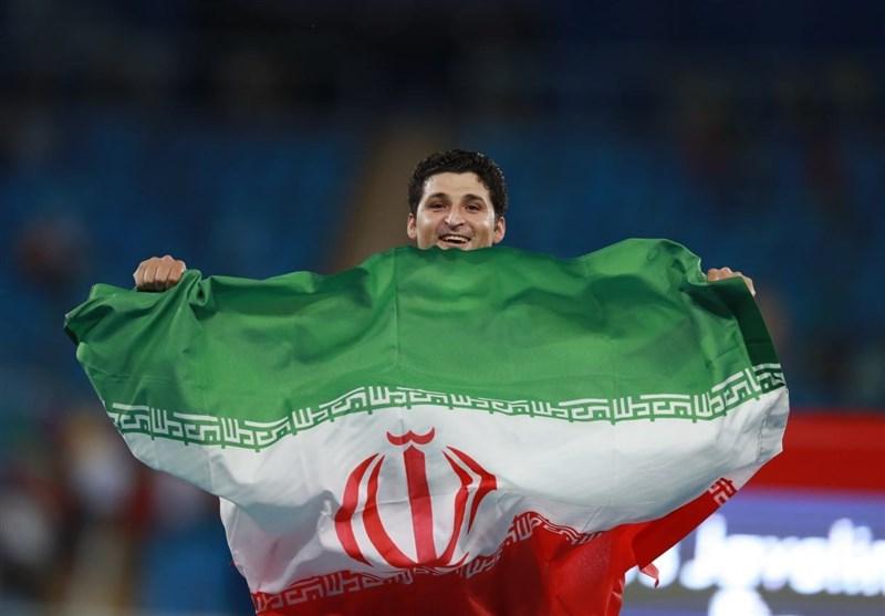 Halvendi Üçüncü Kez Dünya Rekoru Kırdı ve İran Takımına Üçüncü Altın Madalyayı Kazandırdı
