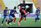 دیدار تیم های فوتبال سیاه جامگان و صبای قم