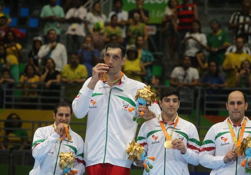 مرتضی مهرزاد، اهدای مدال والیبال نشسته
