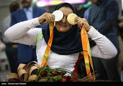 Group of Iran's Paralympic Athletes Return Home