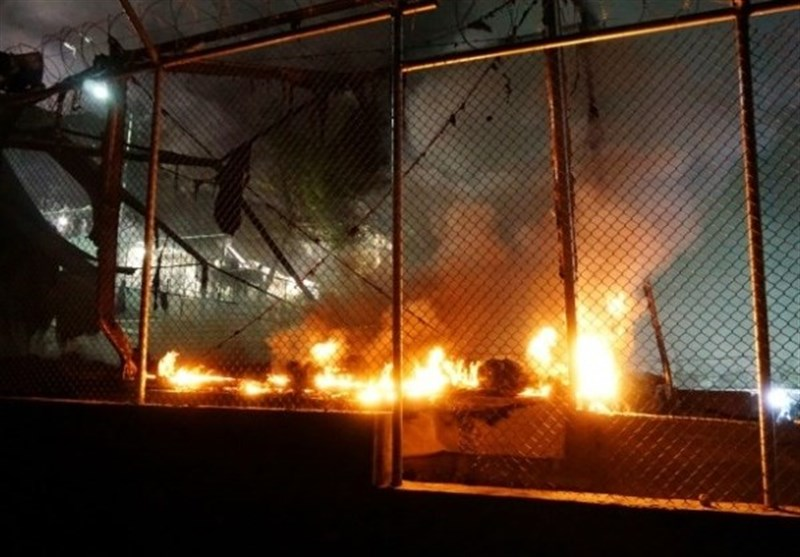 Thousands Flee Fire at Refugee Camp on Greece's Lesbos