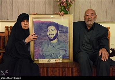 مادر و پدر شهید علیرضا هاشم نژاد