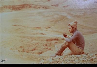 شهید حسن حسن زاده در سال ۱۳۳۹ در شهرستان اردستان استان اصفهان به دنیا آمد. پس از عزیمت به تهران و اخذ دیپلم در رشته الکترونیک ، همزمان با آغاز جنگ تحمیلی ، در ۲۱ سالگی به جبهه های جنگ اعزام شد و در سال ۱۳۶۰ در منطقه رقابیه به شهادت رسید.