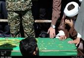 وداع با پیکر شهید مدافع حرم تقی حسینی