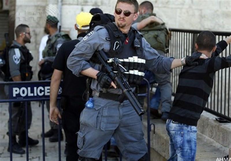فلسطینی مظاہرین پر شیلنگ، درجنوں جوان زخمی