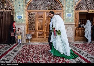 زیارت نو عروس و داماد از حرم حضرت شاه چراغ(ع) - فارس
