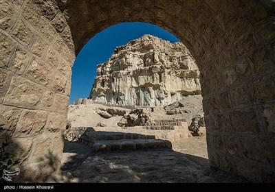 غار خوربس در جزیره قشم