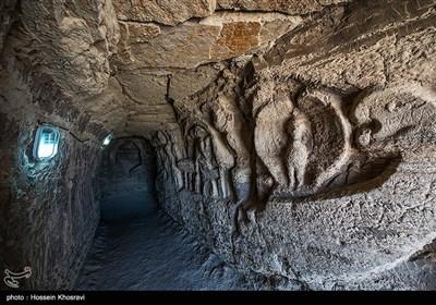 غار خوربس در جزیره قشم در استان هرمزگان