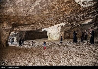 غار دست کنان جهرم در استان فارس