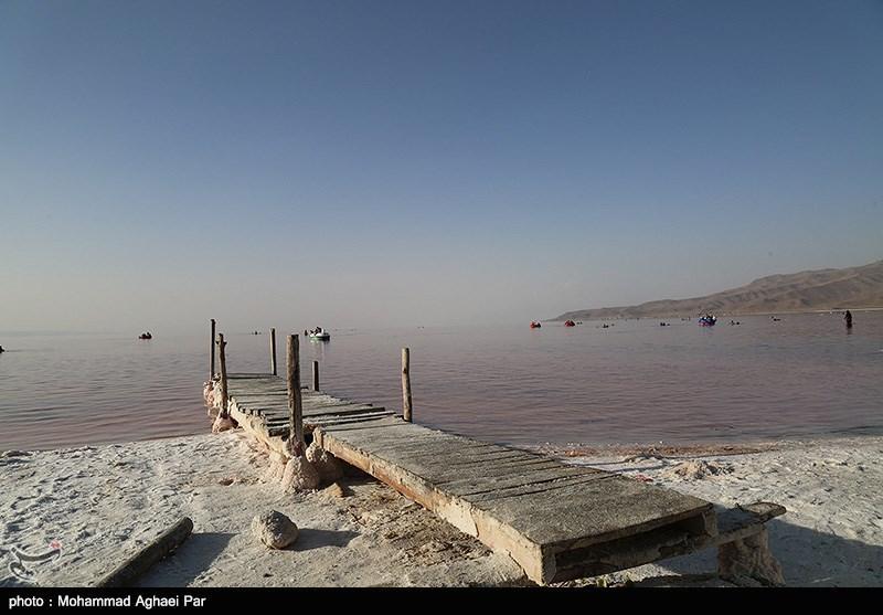 عملکرد ستاد احیای دریاچه ارومیه منجر به نابودی کشاورزی منطقه میشود