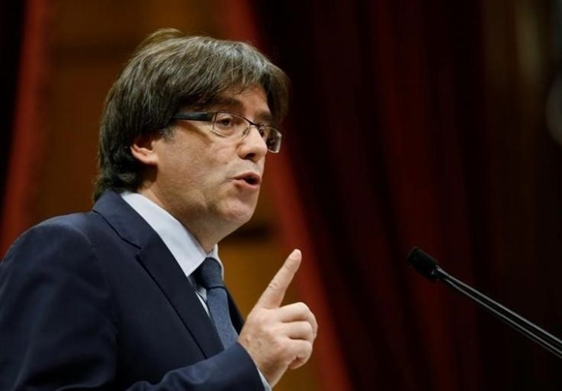 Sacked Separatist Leader Carles Puigdemont Calls for Peaceful Resistance to Spain