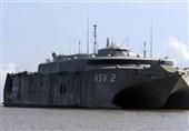 القوات البحریة الیمنیة تحذر أی سفینة من اختراق المیاه الإقلیمیة الیمنیة