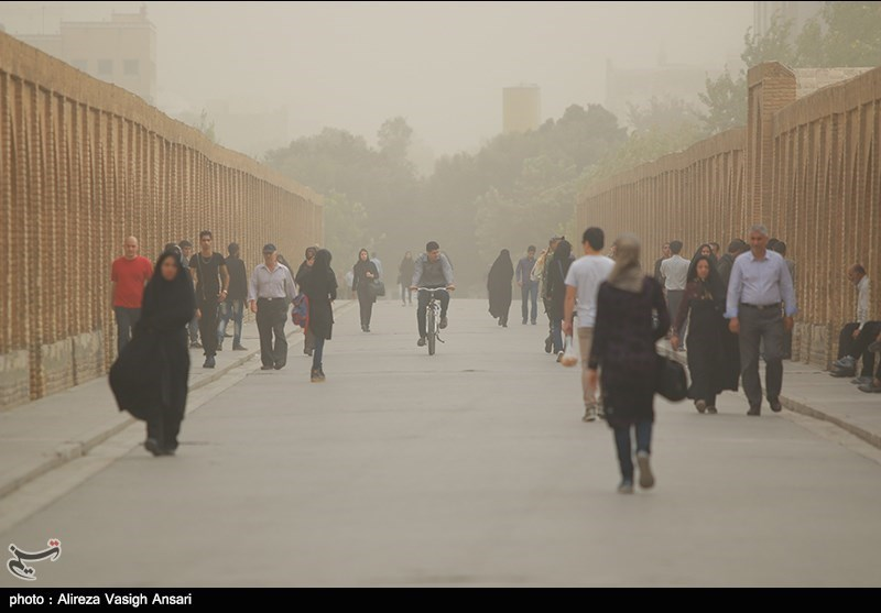 Dust Pollution Reaches Dangerous Levels in Several Iranian Provinces