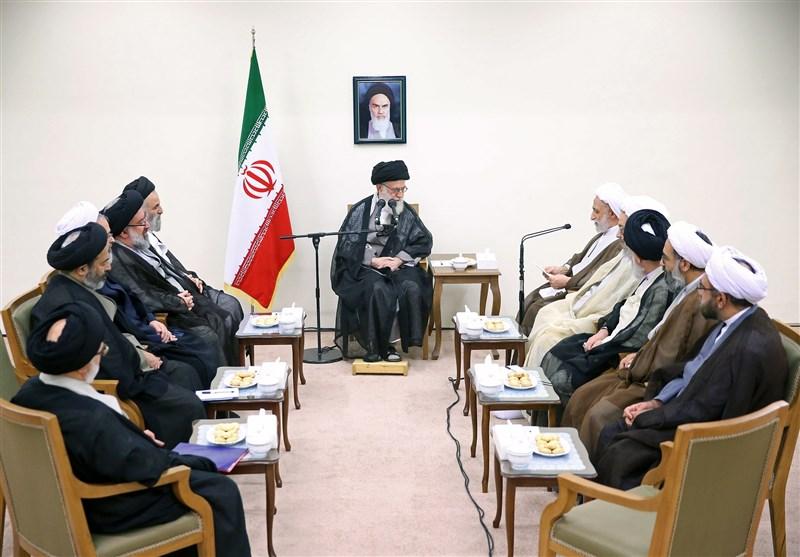 الإمام الخامنئی یؤکد ضرورة وضع مخطط لتطویر الحوزات العلمیة