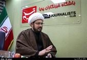 «نور اربعینی» ملتها را به سمت اسلام میکشاند