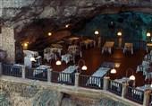 رستورانی در غار با آبی فوق العاده زلال در ایتالیا !