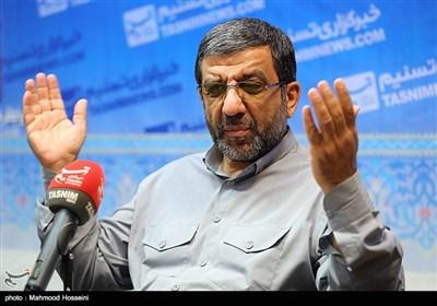ضرغامی: هیچ صحبت انتخاباتی بین من و احمدی نژاد نشده است/ بنگاهداری بانک ها را تعطیل می کنم